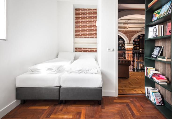 色々な個性的な仕掛けがたくさんある、オランダのホテルらしくないホテル「Hotel not Hotel」を紹介。トラム(路面電車)の部屋、宮殿のような部屋、隠し部屋など、旅の思い出になる素敵でおしゃれな部屋が満載だ。11