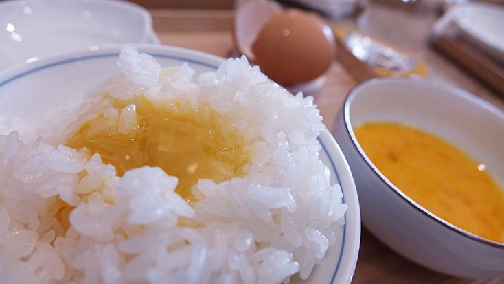 究極のトースターやコーヒーのためのケトルを開発したBALMUDA(バルミューダ)のキッチンシリーズから、新商品として、炊飯器「BALMUDA The Gohan」が登場。二重構造の釜で、蒸気で炊くごはんは、土鍋ごはんよりもおいしいのだ。10