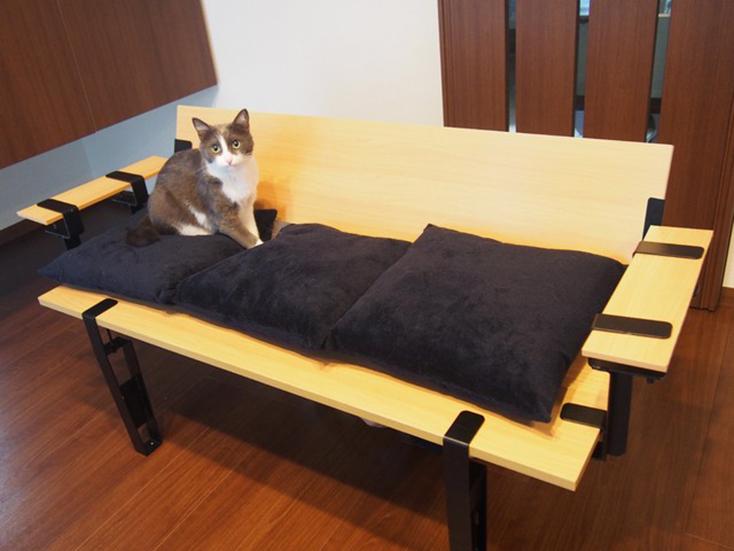 smoothie,LLCによる、簡単DIYができる「noashi」は、グリップ式のアイアン家具の脚。8種類の中からテーブルやベンチなど目的にかなった家具が作れる。引越しが多い人など、それぞれのライフスタイルに合わせて使用できるのが便利。高さ調節ボルトも付いている。6