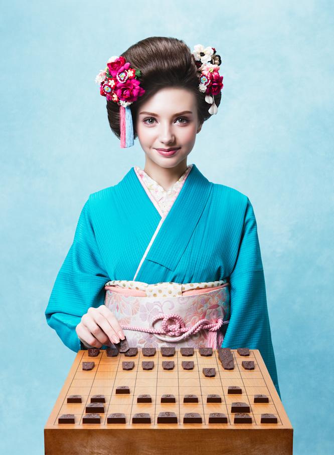 日本将棋連盟推薦品である一心堂本舗の「Shogi de Chocolat(将棋 デ ショコラ)」は実際の駒と同様、王将・飛車・角行・金将・銀将・桂馬・香車・歩兵の8種類を1セットとして商品化。バレンタインの贈り物にぴったりだ。6