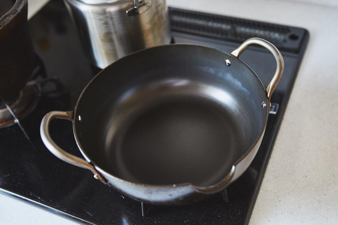 便利な揚げ物用の鍋