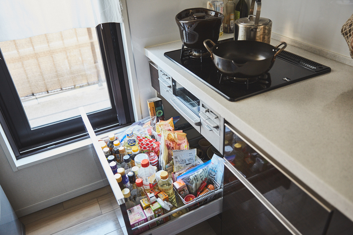 キッチンをおしゃれでスッキリさせる収納術