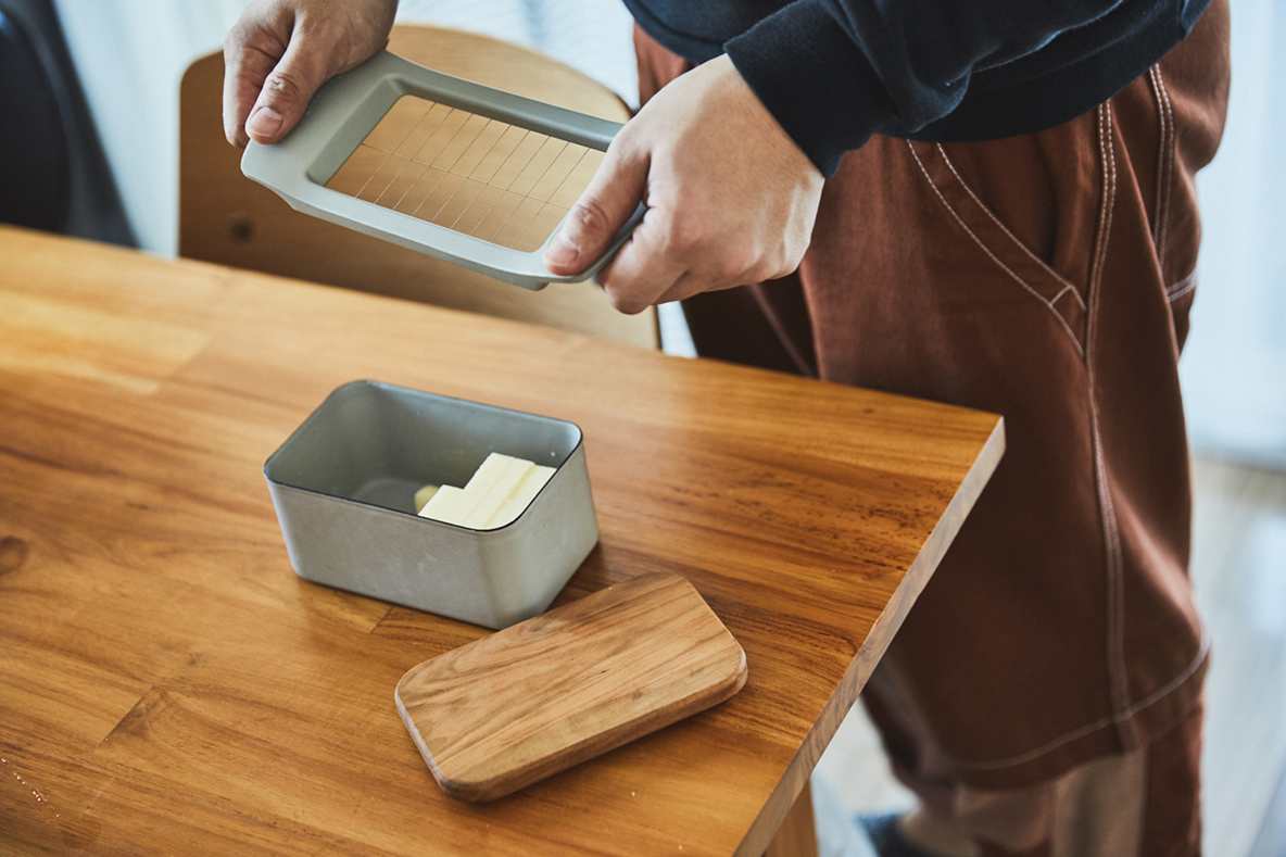 マーガレットハウエルと野田琺瑯コラボレーションのバターケース