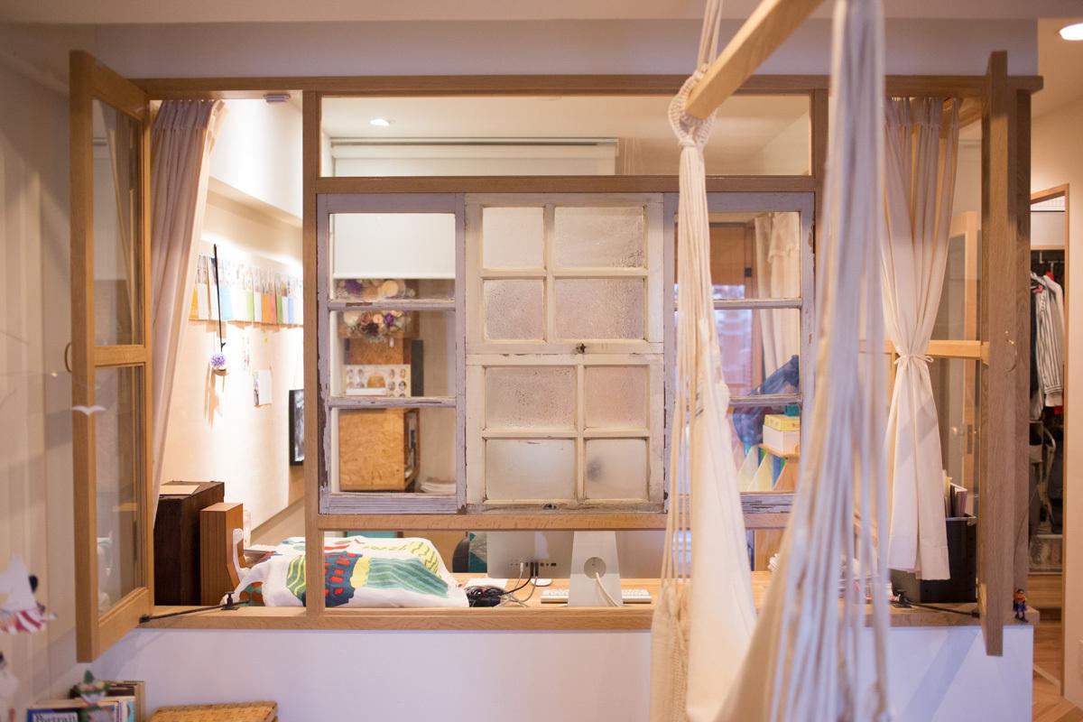 「家糸プロジェクト」で引き継いだ、築90年の洋館の建具のガラス