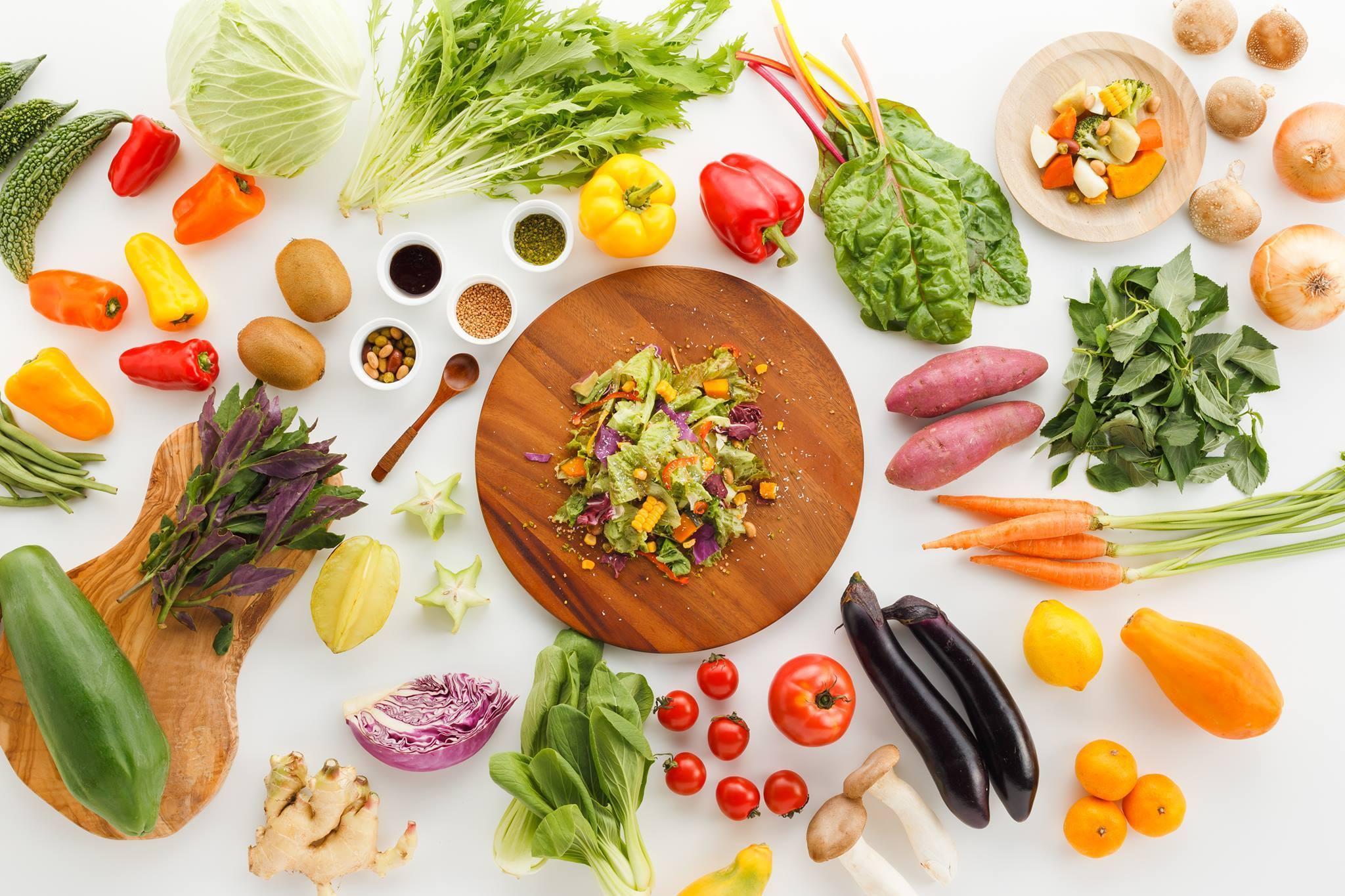 いま食べようとしている野菜は、誰かが心を込めてつくったかけがえのないもの。それに気がつくだけで、日々の食卓への想いはより深く豊かになるはず