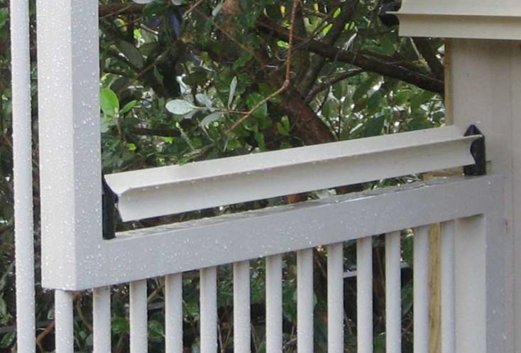 ニュージーランド発の猫の脱走防止柵「Oscillot」