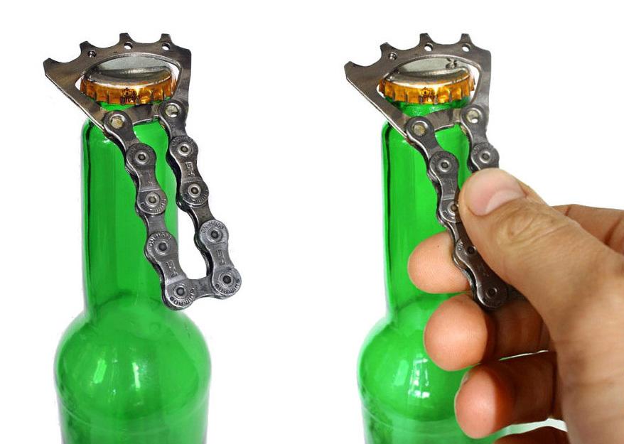 自転車好きにオススメの「Bicycle Bottle Opener」。本物のチェーンとコグからつくられているので、手触りもリアル。キーホルダーにつけてもかっこいいだろう。 - See more at: https://www.roomie.jp/?p=371647&preview=true#sthash.bL00BKtX.dpuf-7