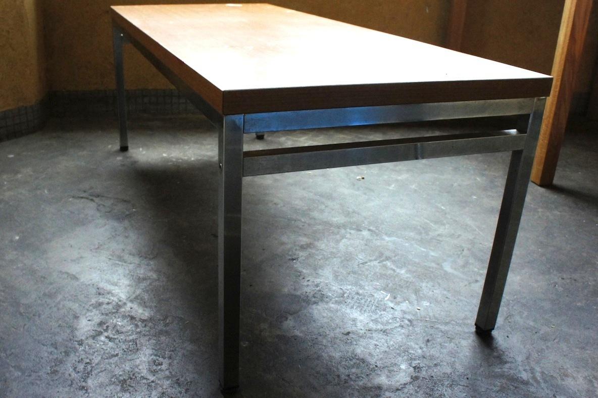 会議用テーブルを、夜カフェのローテーブルにDIY