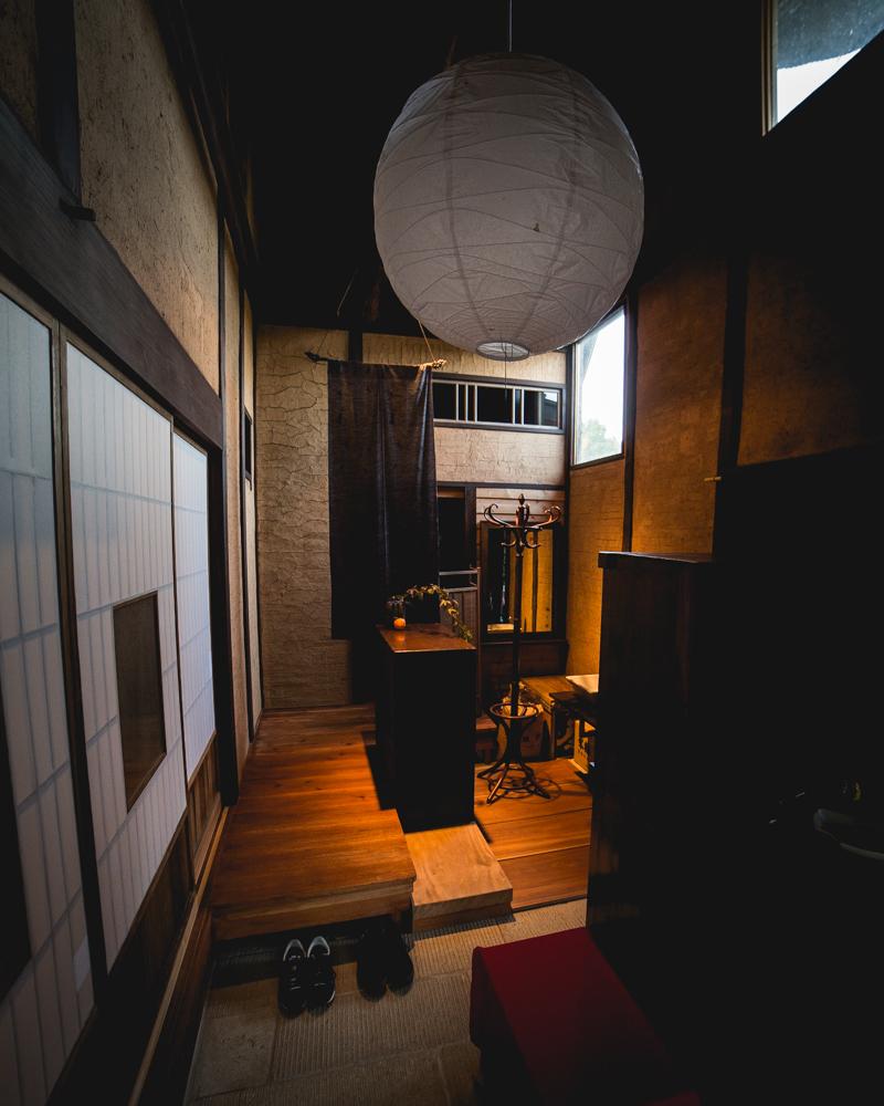 福島県伊達市の霊山町にある食事処「暮らし茶屋 風知草」を取材。江戸末期に建てられたという物件を、ほぼ自力でリノベーションした当時のことや、そのキッカケについて、たっぷりお話を伺いました。-7