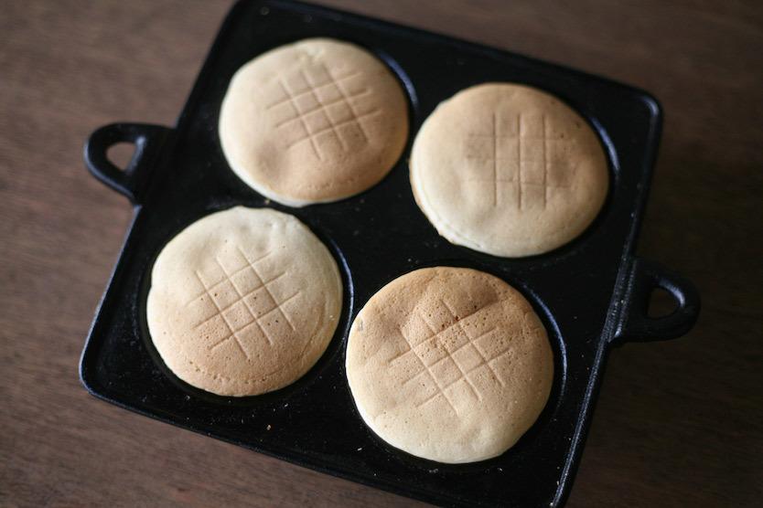 ミニサイズのパンケーキが焼ける