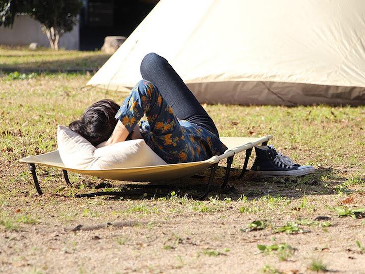 アウトドアやキャンプで昼寝できるベッド