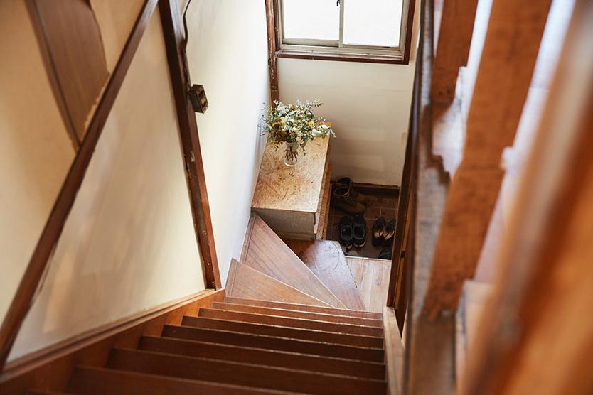 レトロ一軒家の階段