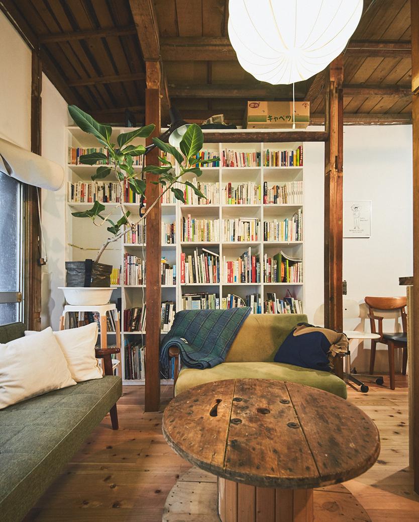 天井まである本棚をDIY