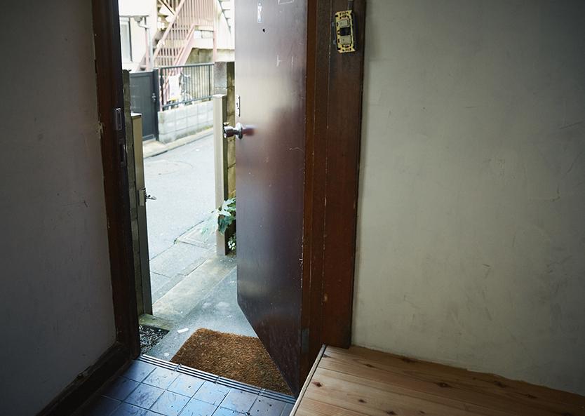 レトロな一軒家の玄関