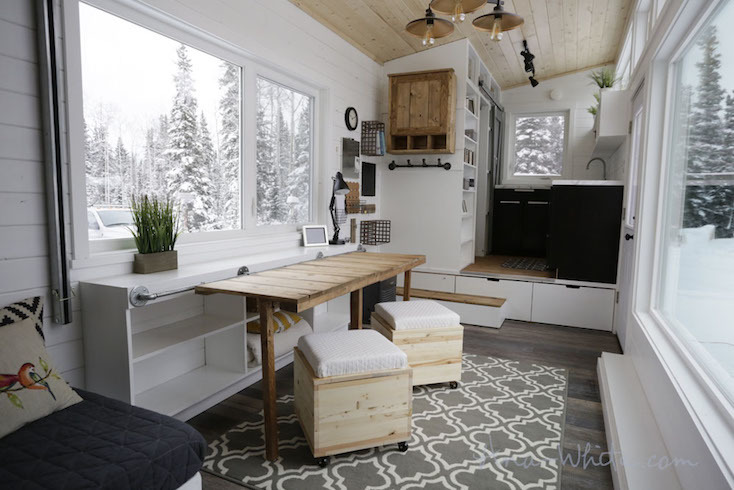 狭い家を快適にする引き出し式テーブル