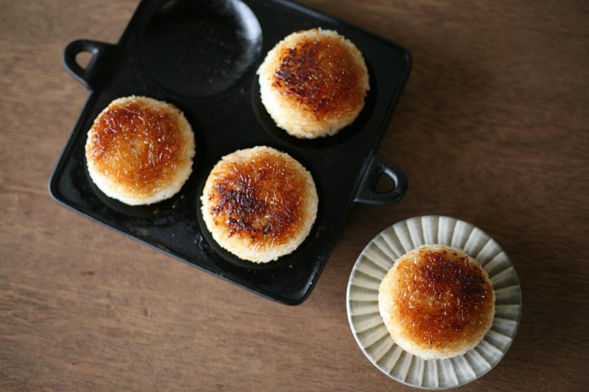 「焼きおにぎり」を、本気で作る。パンケーキも作れる南部鉄器の優れもの