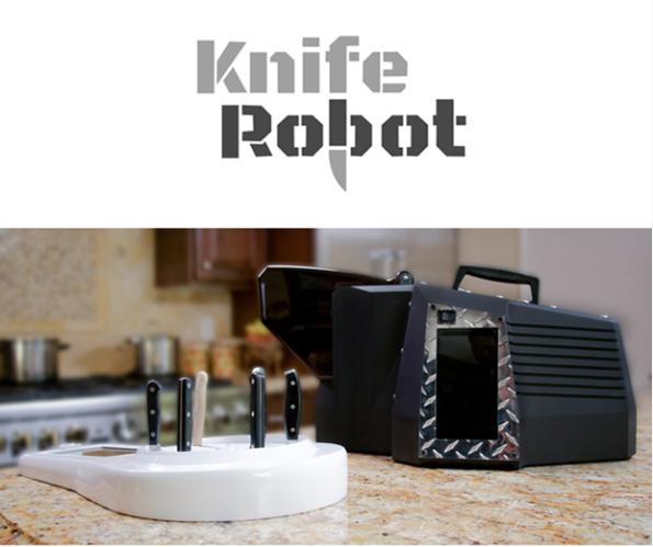 この大きさに、いかついフォルムのKnife Robot