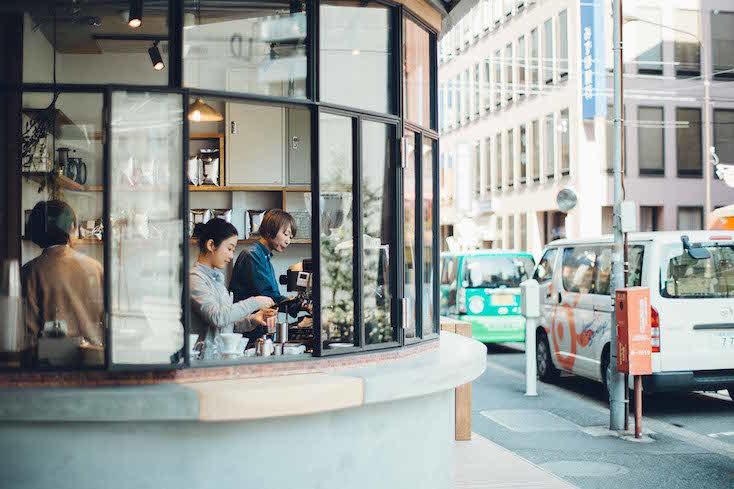 ホステルの顔とも言える1階部分には、「BERTH COFFEE(バースコーヒー)」というコーヒースタンドが
