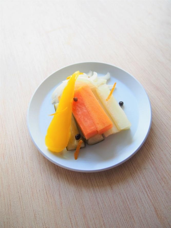 春野菜のオレンジ風味のピクルス