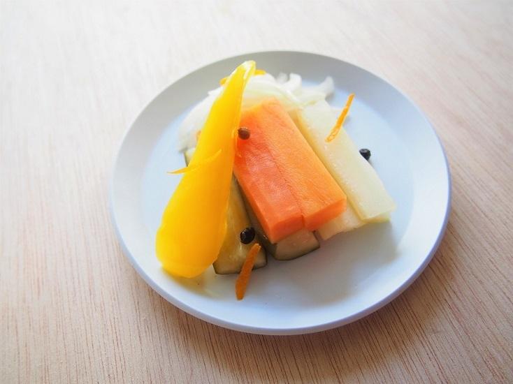 常備菜になるオレンジのピクルス