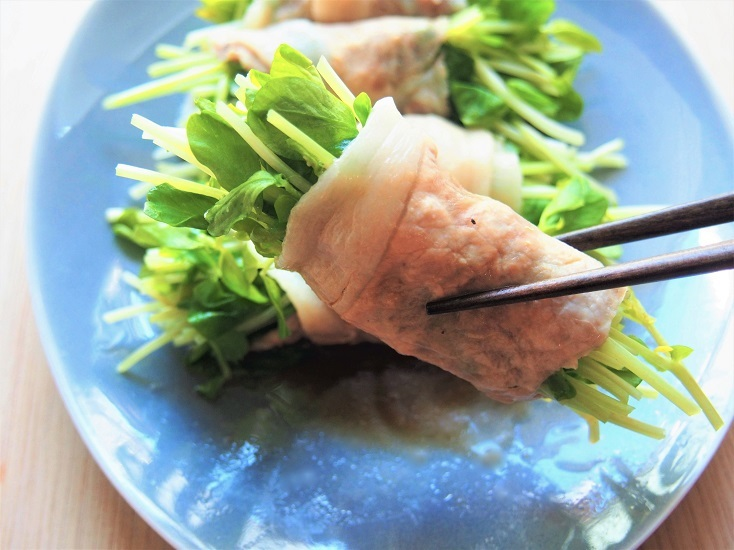 豆苗の豚肉巻き