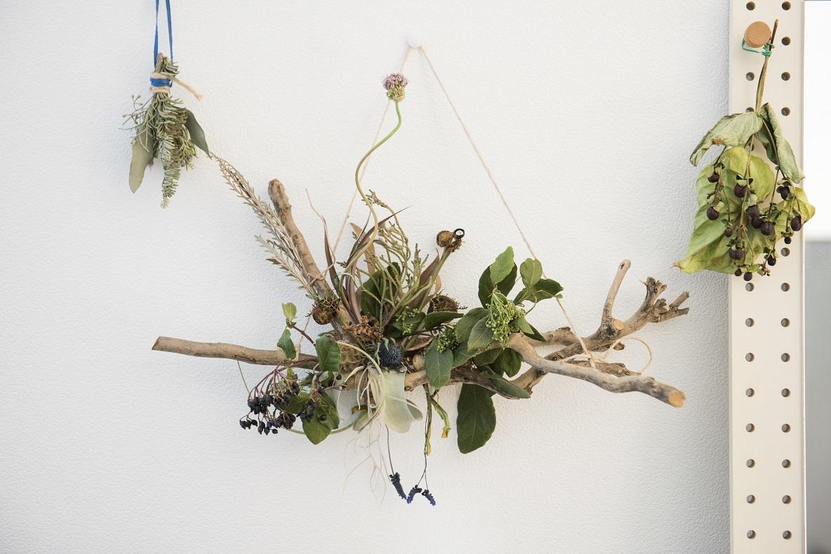 植物好きが高じて、ドライフラワー教室にも通っているのだとか