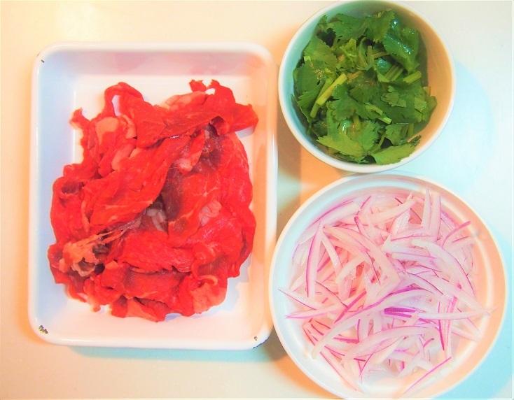 牛肉のパクチーサラダのレシピ