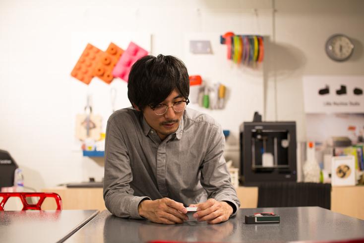 ものへのこだわりが強い平本さんに、新潟県燕市の職人集団「磨き屋シンジゲート」がつくるフリスクケースを使ってもらった感想が記事の冒頭のもの。