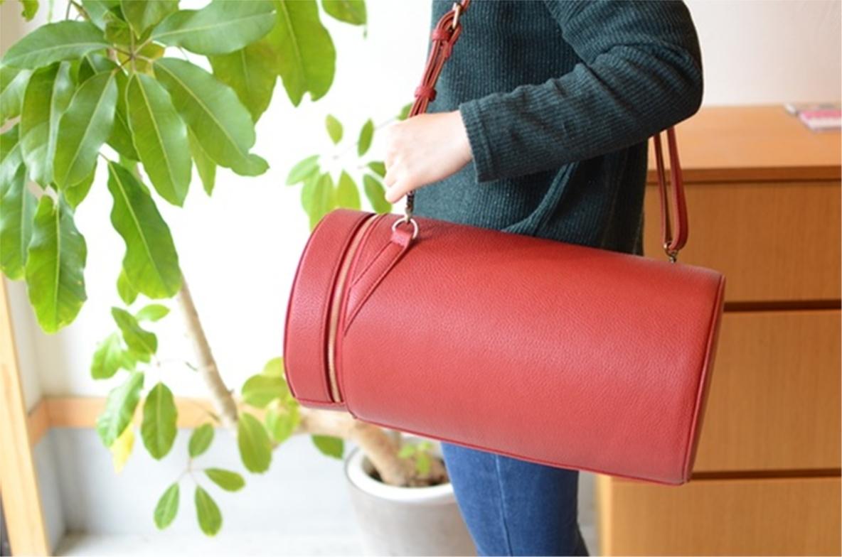 耐荷重100kg、イスとしても使える。玄関に置いておきたい防災バッグ