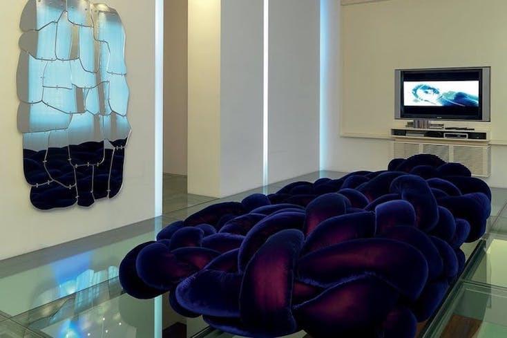 部屋にこのソファを置けば、大きな存在感を放つ