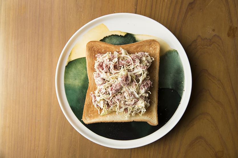 バルミューダでコンビーフキャベツトーストのレシピ