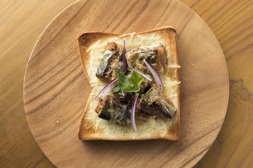 バルミューダでつくるさば味噌チーズトースト