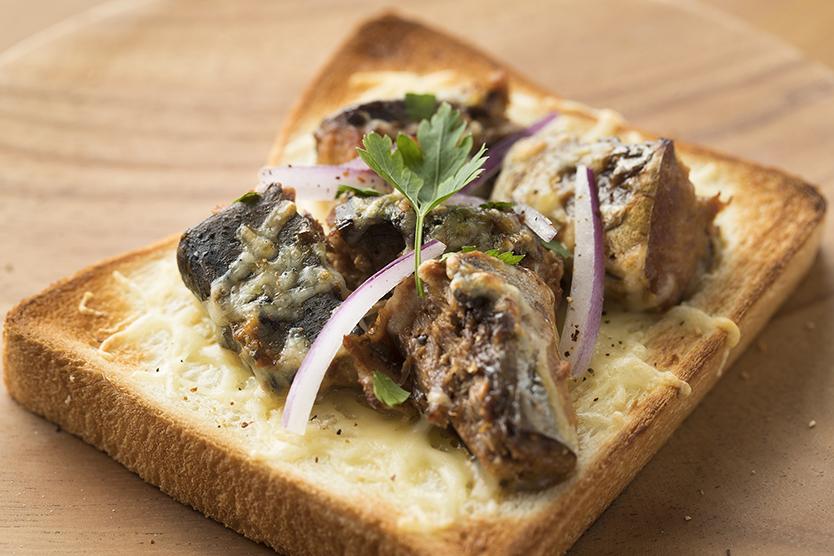 バルミューダでおいしくつくるさば味噌チーズトーストのレシピ