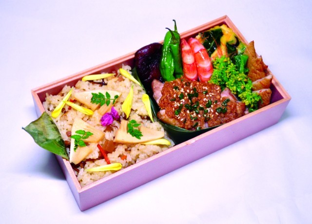 レストラン「ラー・エ・ミクニ」のお花見弁当