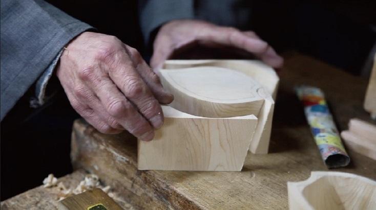 手がけたのは、京都で一点ものの仏壇仏具を制作している伝統工芸士