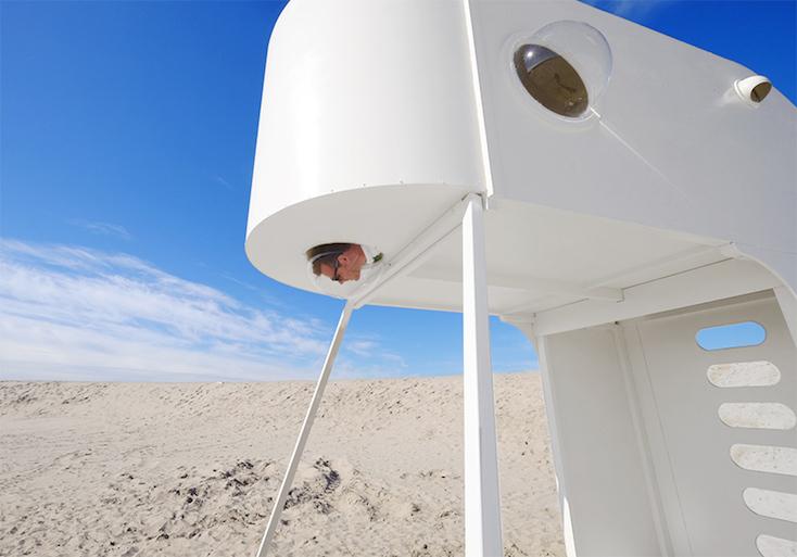砂漠に泊まるシェルタープロジェクトのおもしろい建物