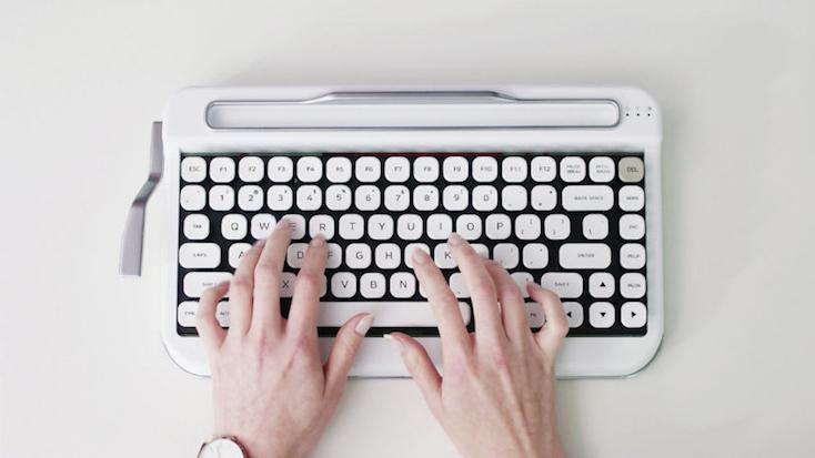 マクロバーが搭載されたキーボードPenna