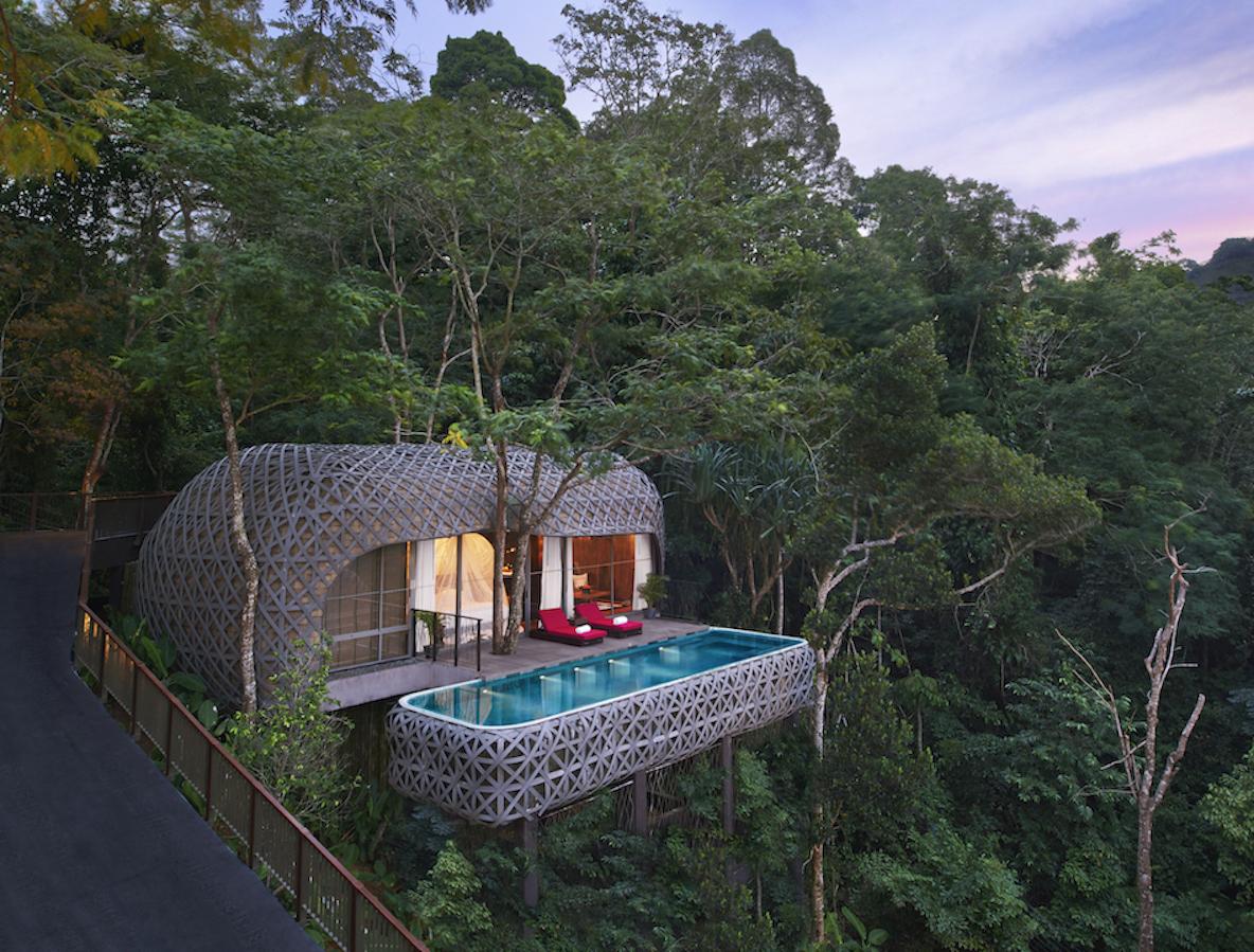 タイ・プーケットの文化を体感できる、自然に囲まれたリゾートホテル