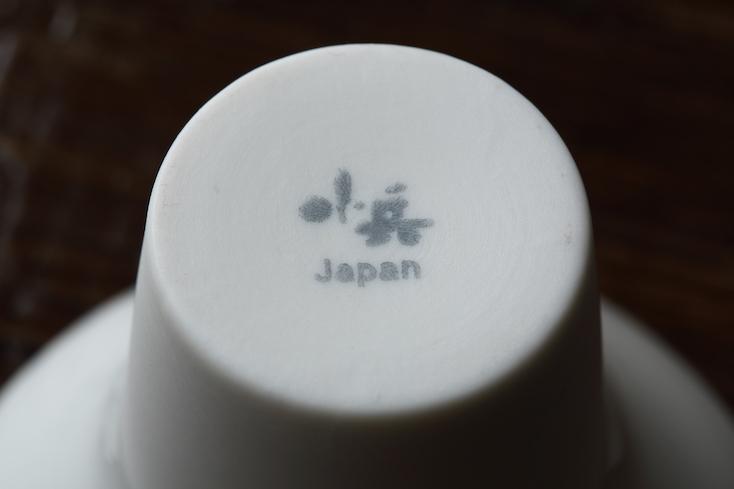 一献盃は、日本酒が分からないビギナーも、じっくりと楽しみたい飲み慣れた人も楽しめるユニークな盃だ