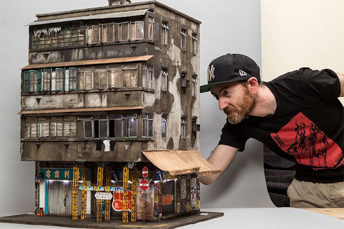 現実世界を縮小したようなリアルさ。街角にある建物のミニチュアシリーズ
