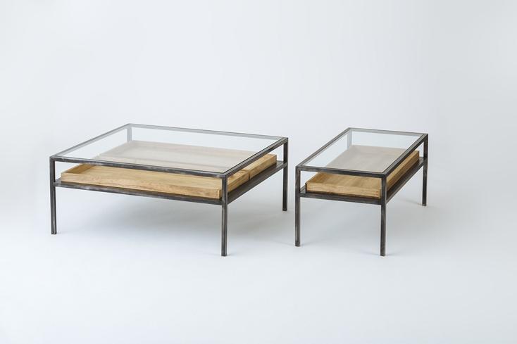 Un-TIQUE NEWTIQUEのガラスのテーブル