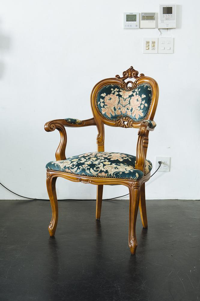 Un-TIQUE NEWTIQUEのアンティークな椅子