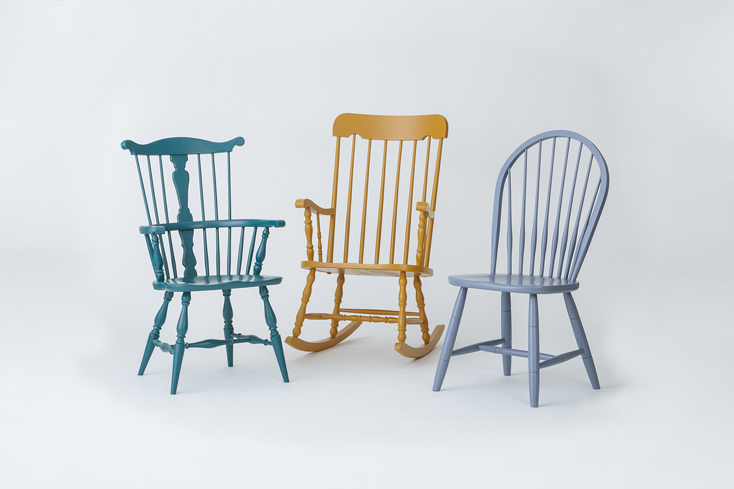 Un-TIQUE NEWTIQUEのカラフルでレトロな椅子