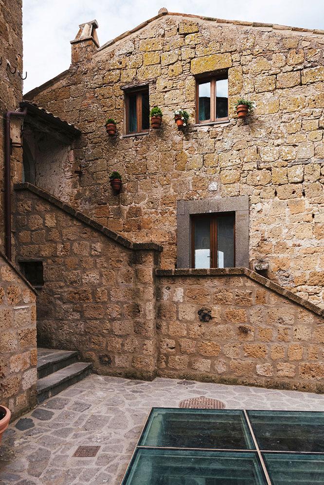 古代集落・Civitaにできたアーティストハウス