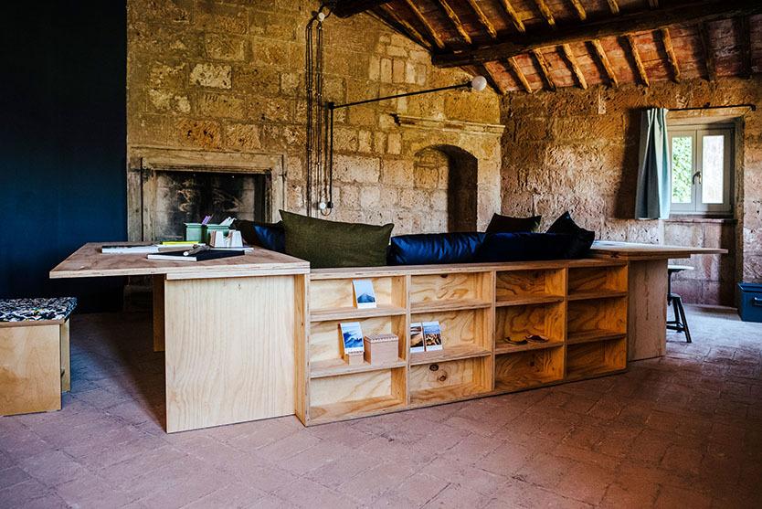 イタリアの古代集落のホテル