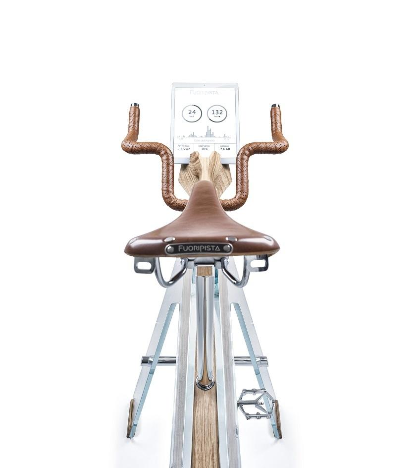 iPadでは自分の運動量などを記録できるようになっている