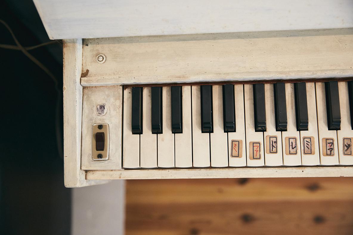 レトロで可愛い電子ピアノ