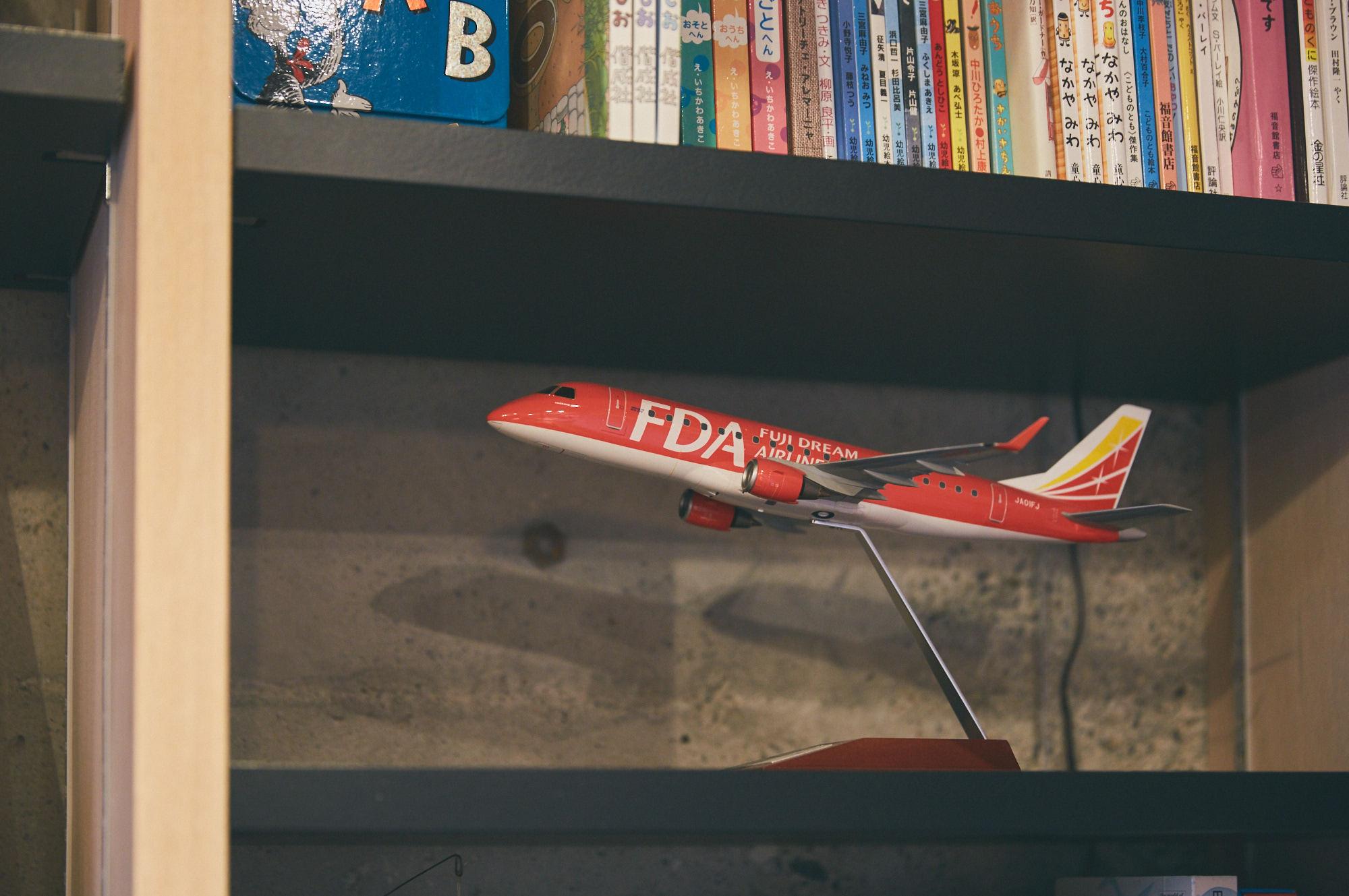 飛行機FDAのプラモデル