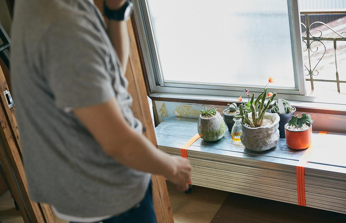 植物を置く台をDIy