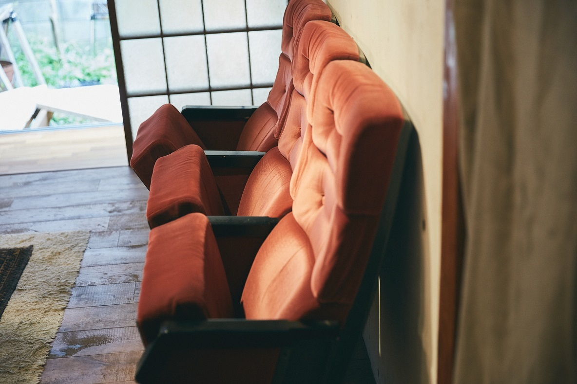 ジャック&ベティの映画館の座席